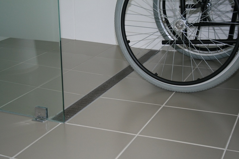 With less need for a carer to assist entry, residents are offered more personal access into the shower space.